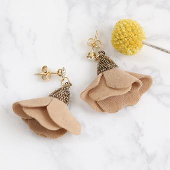 639226 - Izu flower earring