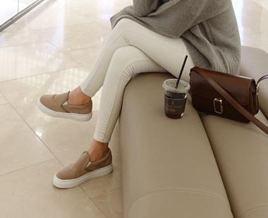 645888 - Swen slip-on shoes