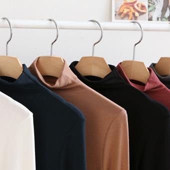 653052 - Paula Van Basic T-shirt