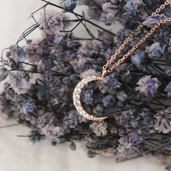 653697 - Moonlight necklace