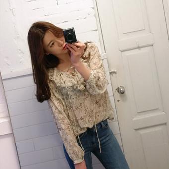 655638 - Eyelet blouse Coco