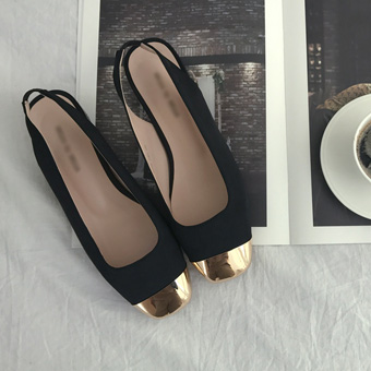 657140 - Bending back the Golden Nose shoes