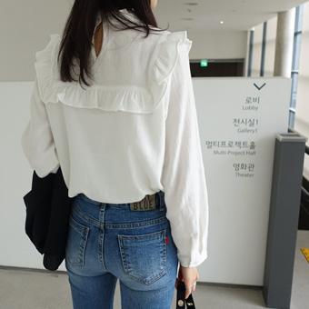 657633 - Every ruffle blouse