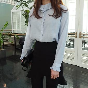 657782 - Ruffle blouse ring