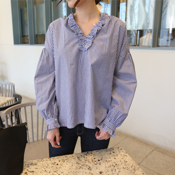 659326 - Audrey ruffle blouse