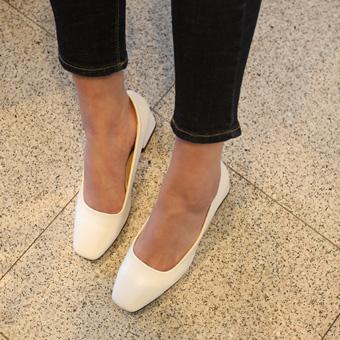 659329 - Feminine shoes Square