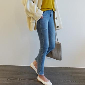 662112 - Soft blue pants