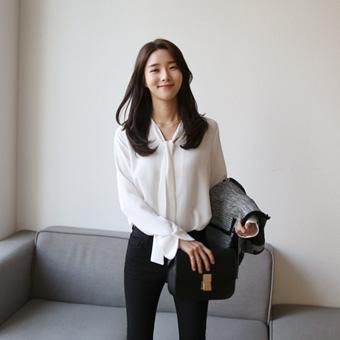 663670 - Beans strap blouse