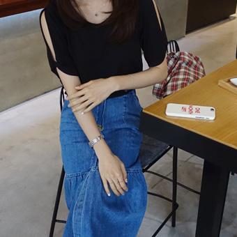 667497 - Shoulder Open Kink T-shirt