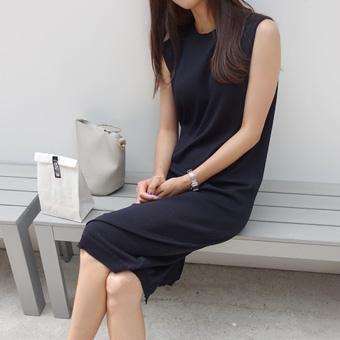 714919 - Simple good knit dress