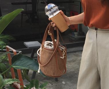 717143 - Coco rice bucket bag