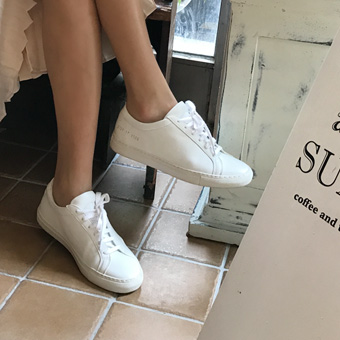 719180 - White opening shoes