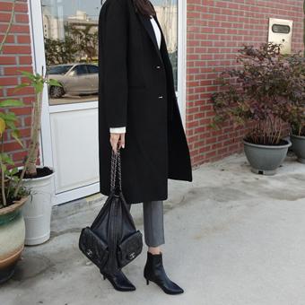 732506 - Modern Single Handmade, Coat