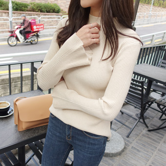 734150 - Knitted Knit