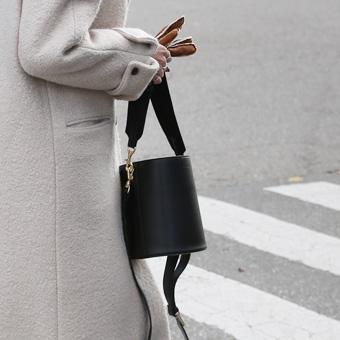 740902 - Native strap bag