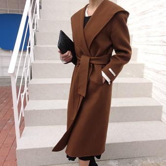 748403 - Hooded wool handmade coat