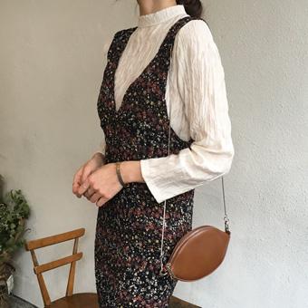 749417 - High neck wrinkle blouse