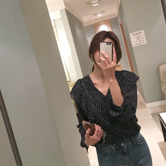 750163 - Dots frilly blouse