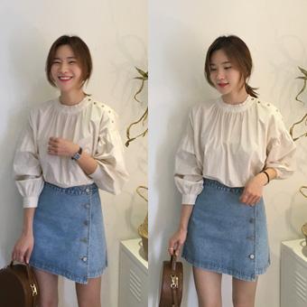 752969 - Button blue skirt