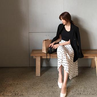 753082 - Pallet dot skirt