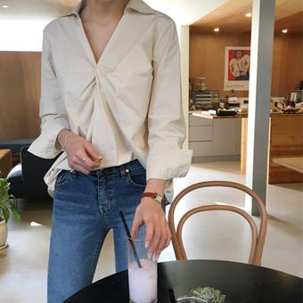 753522 - Marang twist shirt