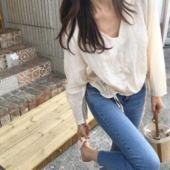 754146 - V-shearing blouse