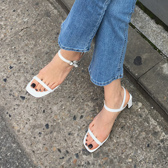 754950 - Two line buckle sandals shoes