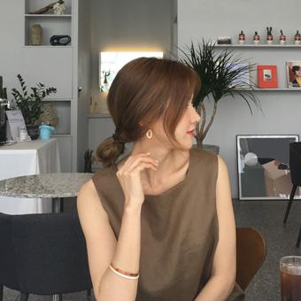 755133 - Light Bearringigearring earring