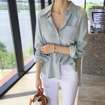 755074 - Pussy and linen shirt