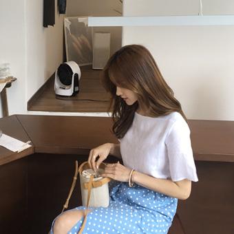755324 - Square linen blouse blouse